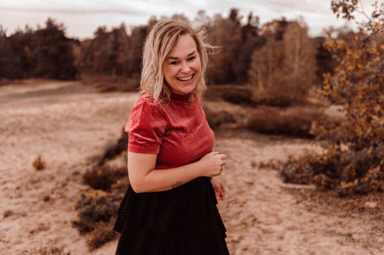 ondernemersshoot fotograaf sevenum horst eendenmeer bergen vrouw lacht